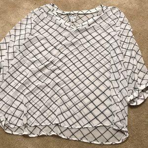 Diamond pattern blouse